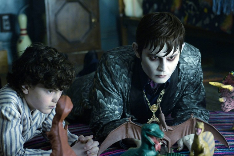 Dark Shadows - Bringing Dysfunctional Family to A New Level (3/4)